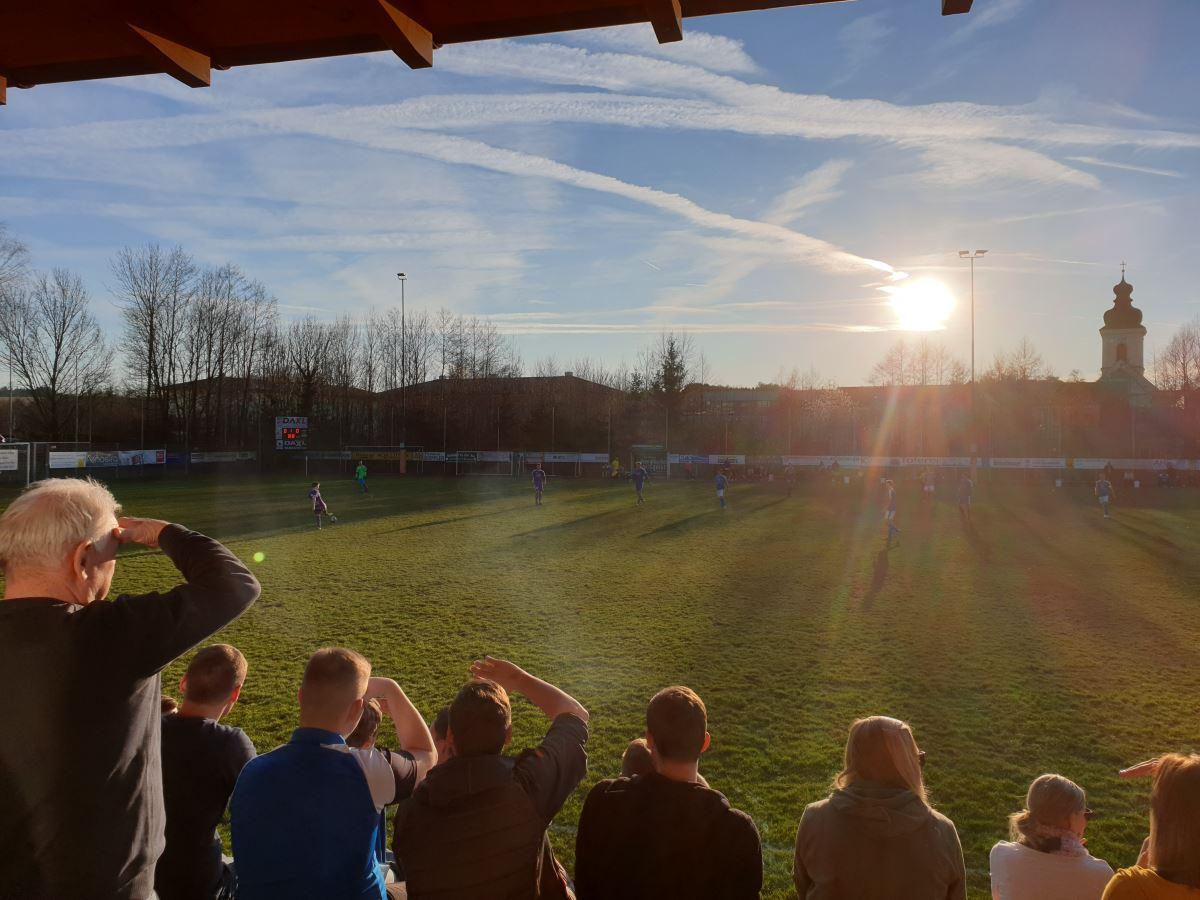 Herrliches Wetter beim Fußballspiel in Krenglbach